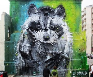 Streetart: Big Racoon by Bordalo II in Lisbon