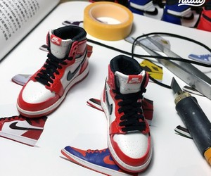 1:6 Scale Miniature Sneaker Sculptures by Kiddo