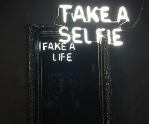 Light Sculptures of Truthful Mirror Reflections