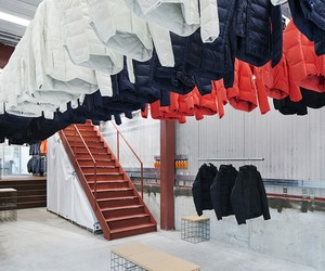 Descente Blanc Store by Schemata Architects
