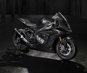 First look at the BMW HP4 Race Motorcycle