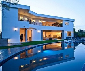 $12 Million Home In Bel Air