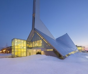 A Québec church transformed into a library