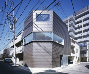 Cave Residence by Apollo Architects & Associates
