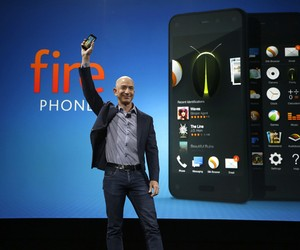 Amazon introduces the Fire Phone