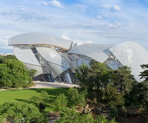 Frank Gehry's Fondation Louis Vuitton opens
