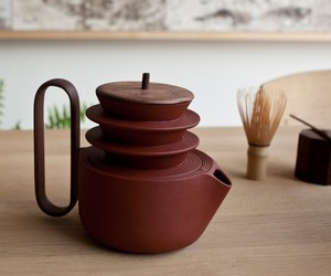 Aureola tea set by Luca Nichetto + Lera Moiseeva