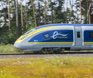 Eurostar e320 train by Pininfarina