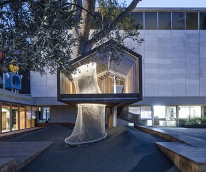 Architects Install a TreeHouse at Israel Museum