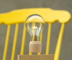 FLYTE Levitating Lamps by Simon Morris