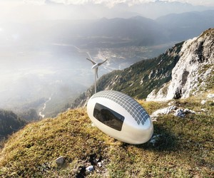 Wind and Solar-Powered Ecocapsule