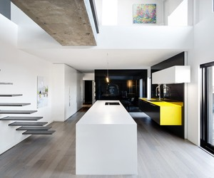 Habitat 67 Apartment Refurbished by StudioPractice