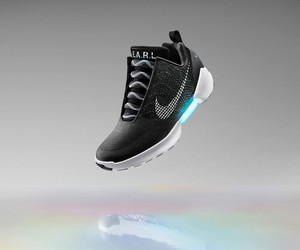 Nike Introduces Self-Lacing Shoes