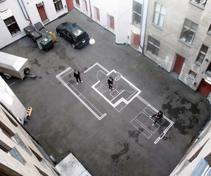 Vardehaugen draws real scale plans on the street