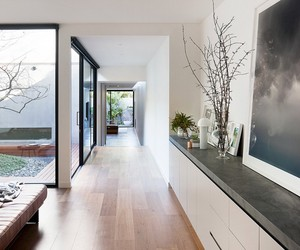 Courtyard House in Melbourne by Robson Rak