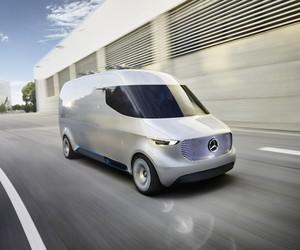 Mercedes-Benz Vision Van with Delivery Drones