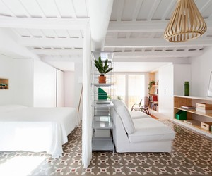 45 sqm in Barcelona refurbished by Oriol Garcia