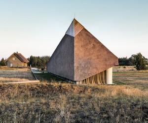 The Dune House by Archispektras