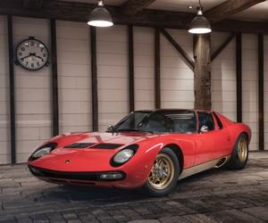 Lamborghini P400 Miura SV goes up to auction