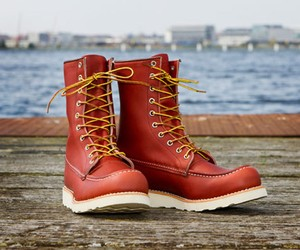 THE 20-MILE SPORT BOOT FROM RED WING