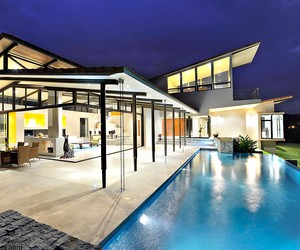 Areopagus Residence by Paravant Architects