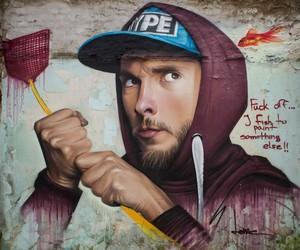 Streetart: Buzz Off-Mural by Artist Lonac