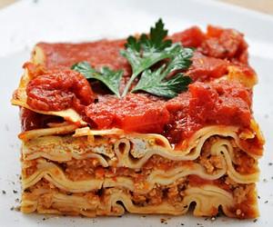 Delicious Vegan Whole Wheat Lasagna with Mushrooms