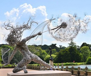 """Fantasywire"" – Dramatic Steel Wire Fairy Sculptur"