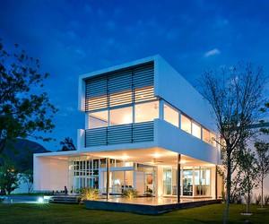Uro House by 7XA Taller De Arquitectura