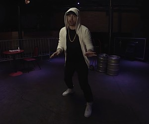 "Eminem - ""Kick Off Freestyle"" // Video"