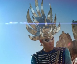 Empire of the sun : ALIVE