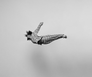 """Gravity"" – Energetic Black-And-White Portraits"