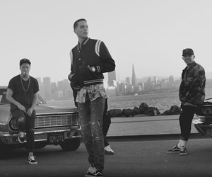 "G-Eazy – ""Calm Down"" (Official Video)"