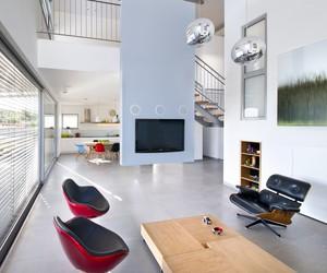 Hasharon House 1 by Sharon Neuman Architects