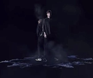"James Blake x Travis Scott - ""Mile High"" // Video"
