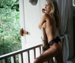 """Jungle Room"" feat. Model Lolita Walters in Bali"