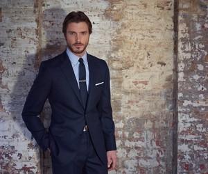 Men's Secret To Power Dressing