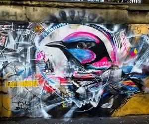 Spray-Painted Birds by Streetartist L7m in Paris
