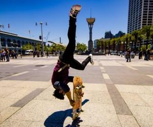 Skateboard x Parkour