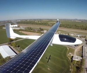 Flying Across America With Solar Power Only