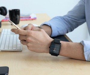 Uvolt Watch Brings Clean Energy to Your Phone Anyw