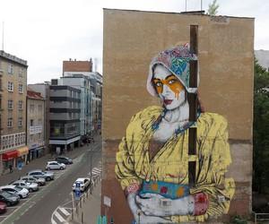 """""""Hidden Beauty"""" Mural by Street Artist Fin DAC"""