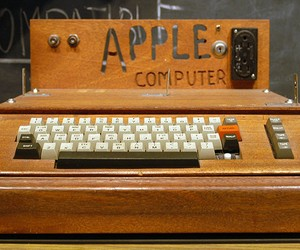 History of Apple in a Timeline