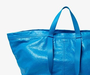 Balenciaga copies the shopping bag from IKEA