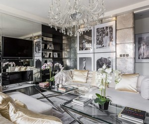 ALEXANDER MCQUEEN'S MAYFAIR HOME IS FOR SALE