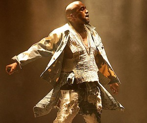 Kanye West live @ Glastonbury 2015 (Full Concert)