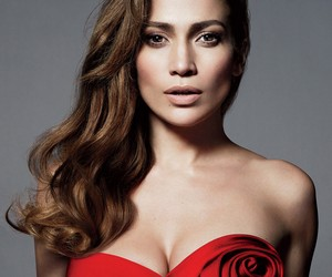 Behind Jennifer Lopez's Vogue Shape Issue Cover