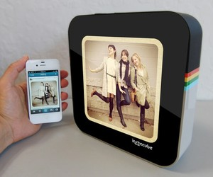 InstaCube Digital Frame for Instagram