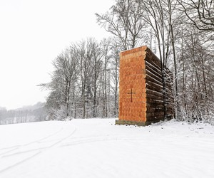 John Pawson builds an amazing wooden chapel