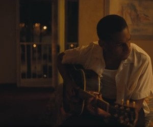 "Leon Bridges – ""River"" (New Video)"